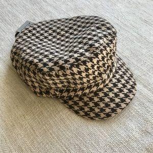 ALDO black & cream houndstooth wool newsboy cap